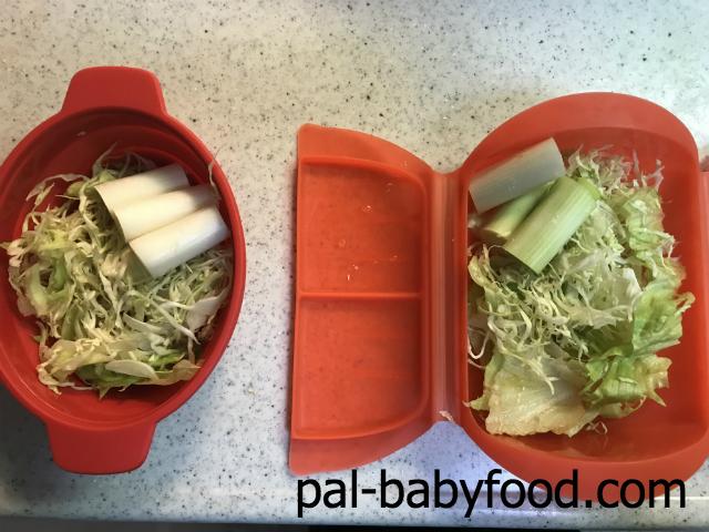 野菜をスチーマーに入れる